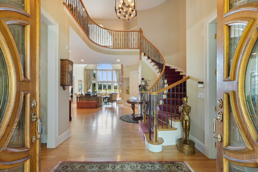 Real Estate Photography - 14 Riderwood, North Barrington, IL, 60010 - Entryway