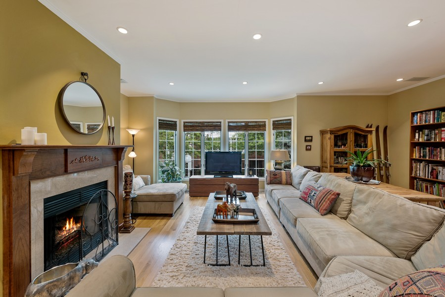 Real Estate Photography - 727 S Racine Ave, #E, Chicago, IL, 60607 - Living Room