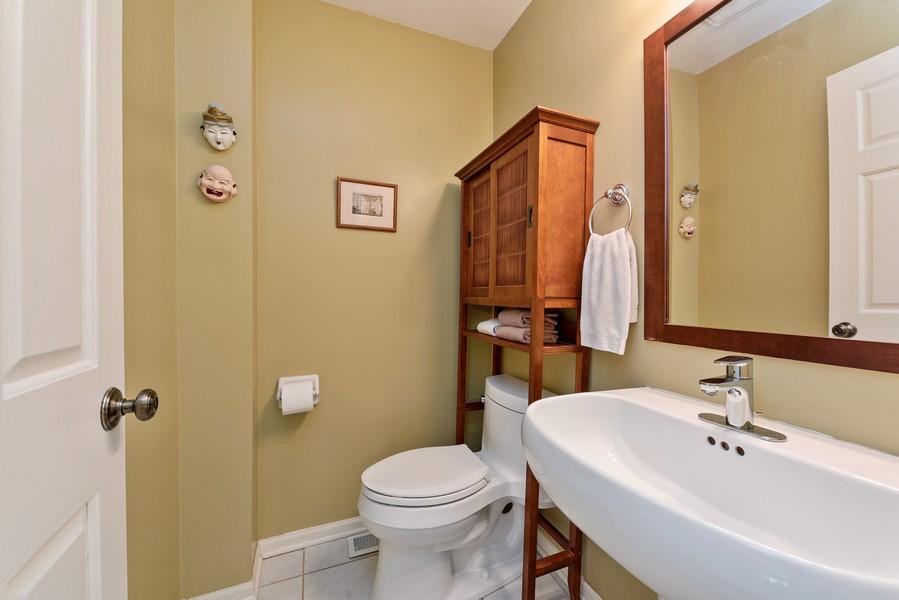 Real Estate Photography - 727 S Racine Ave, #E, Chicago, IL, 60607 - Half Bath