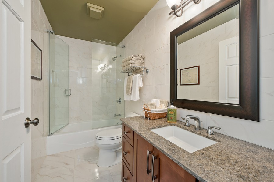 Real Estate Photography - 727 S Racine Ave, #E, Chicago, IL, 60607 - 2nd Bathroom