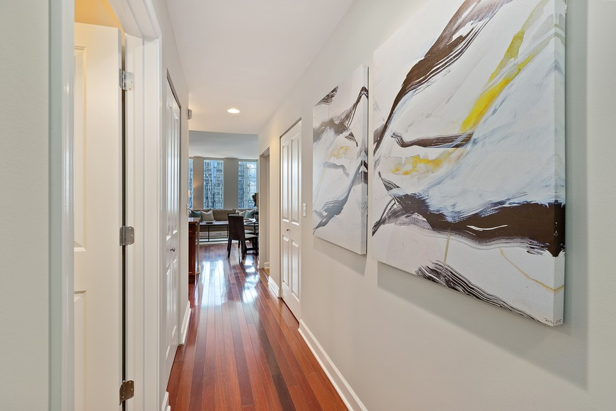 Real Estate Photography - 1400 S Michigan #2107, Chicago, IL, 60605 - Hallway