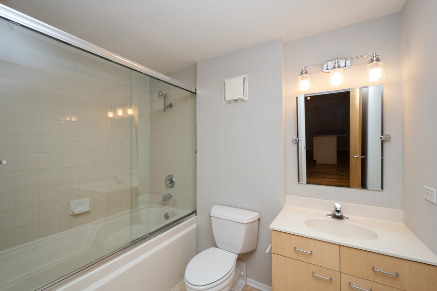 Real Estate Photography - 1440 S Michigan Ave, #522, Chicago, IL, 60605 - Bathroom