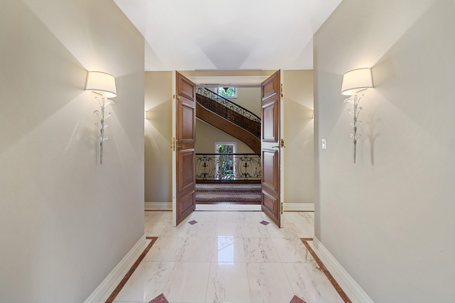 Real Estate Photography - 1500 North Astor, Unit 7, Chicago, IL, 60610 - Foyer