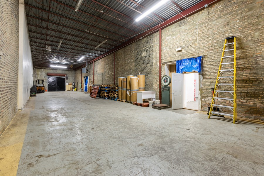 Real Estate Photography - 1945 W Division St, Unit 1, Chicago, IL, 60622 - Location 10