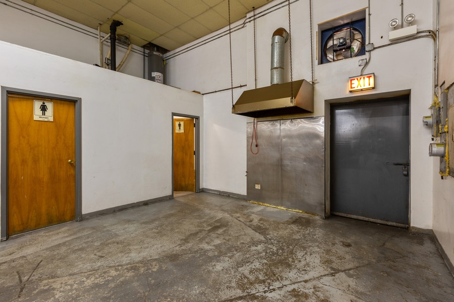 Real Estate Photography - 1945 W Division St, Unit 1, Chicago, IL, 60622 - Location 24