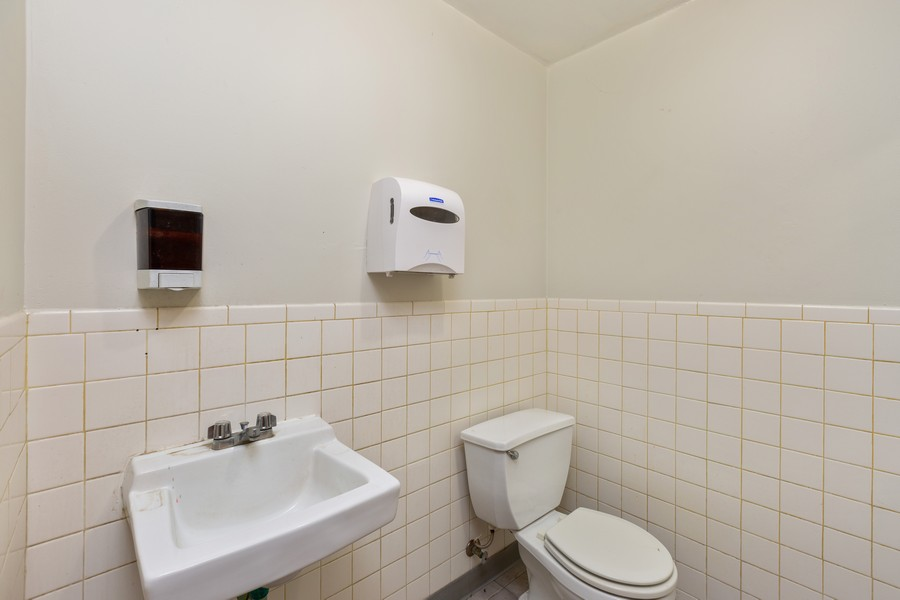Real Estate Photography - 1945 W Division St, Unit 1, Chicago, IL, 60622 - Bathroom