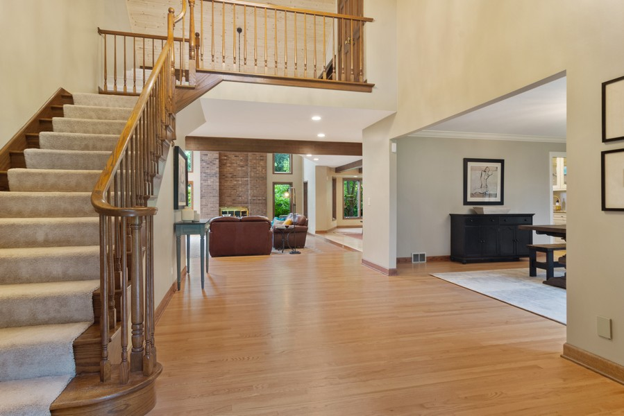 Real Estate Photography - 21710 N Hickory Ln, Barrington Hills, IL, 60010 - Foyer