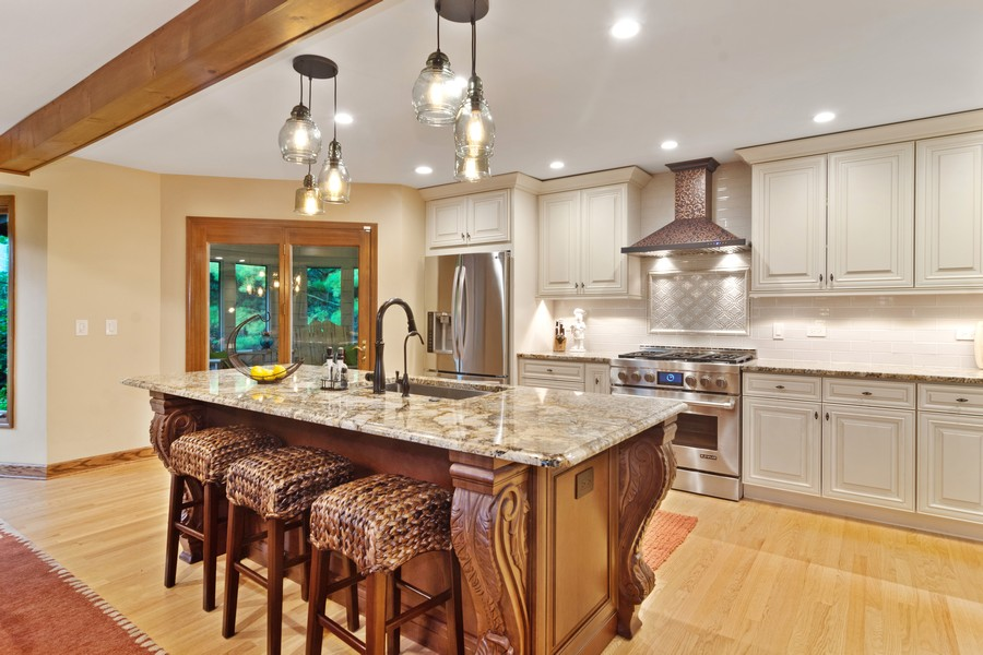 Real Estate Photography - 21710 N Hickory Ln, Barrington Hills, IL, 60010 - Kitchen