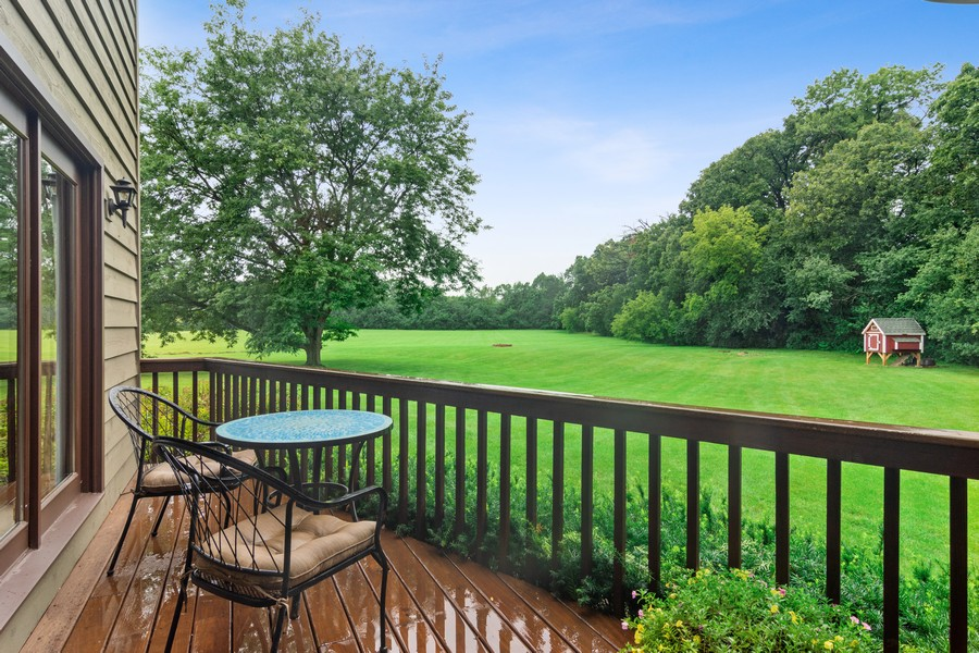 Real Estate Photography - 21710 N Hickory Ln, Barrington Hills, IL, 60010 - Deck
