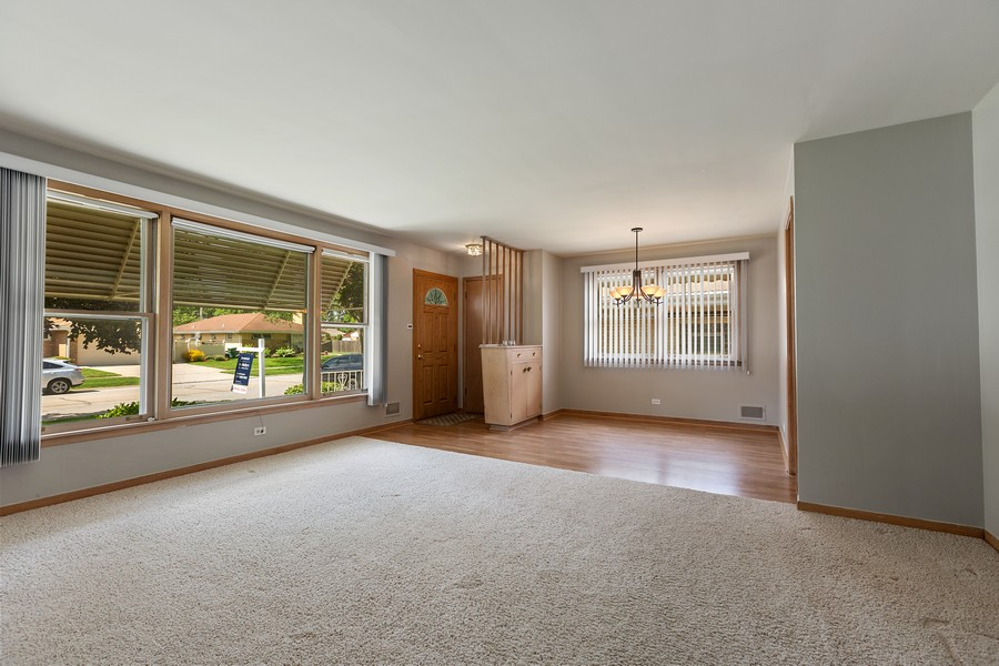 Real Estate Photography - 2451 Sunnyside, Westchester, IL, 60154 - Living Room