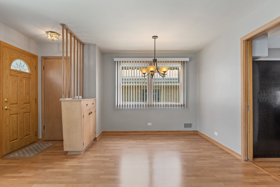 Real Estate Photography - 2451 Sunnyside, Westchester, IL, 60154 - Dining Area