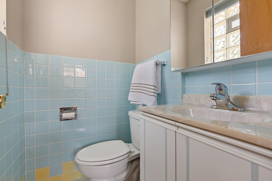 Real Estate Photography - 2451 Sunnyside, Westchester, IL, 60154 - 2nd Bathroom