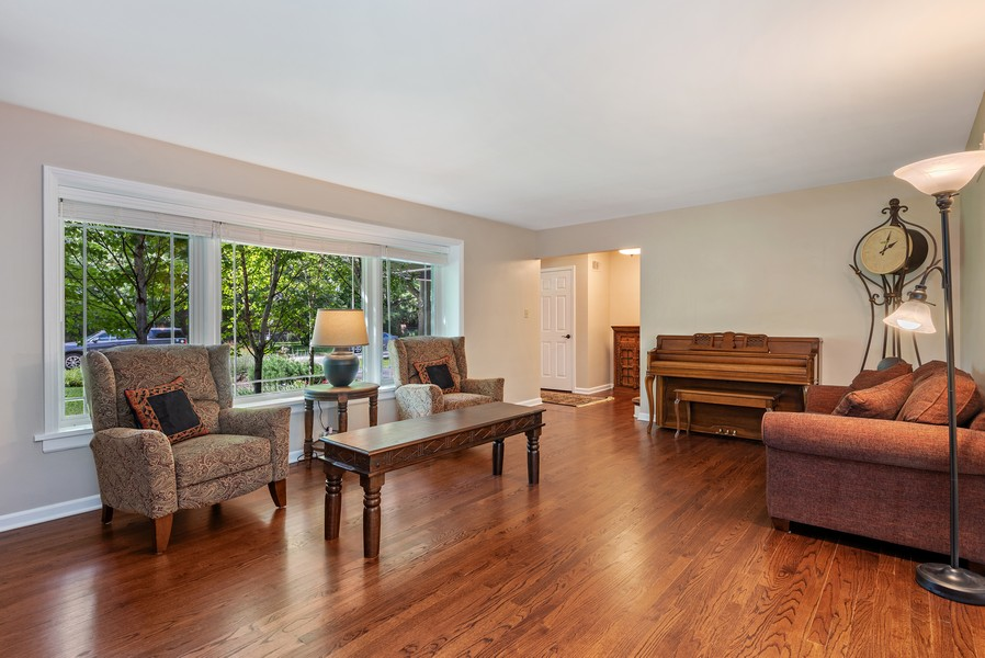 Real Estate Photography - 9515 Drake Ave, Evanston, IL, 60203 - Living Room