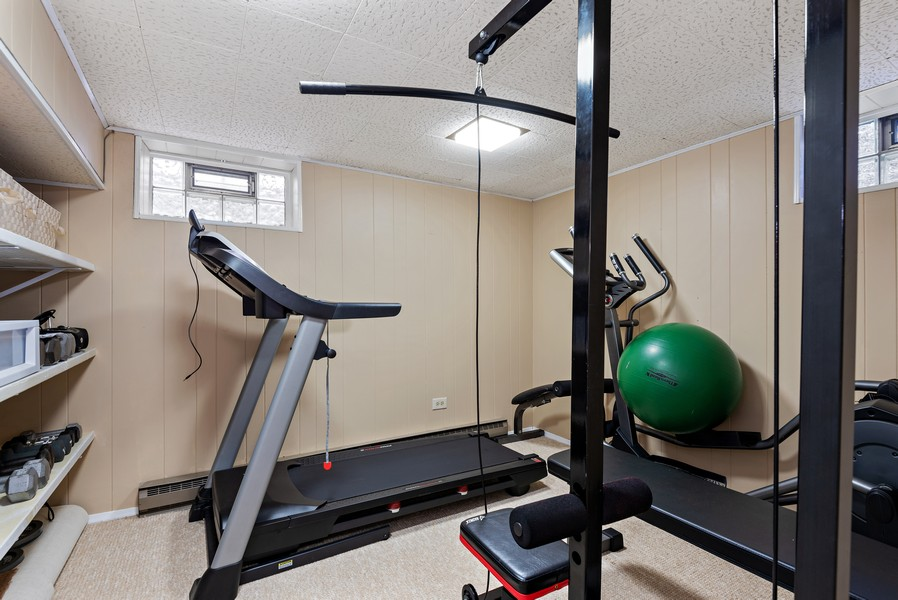 Real Estate Photography - 9515 Drake Ave, Evanston, IL, 60203 - Exercise Room