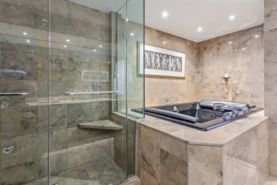 Real Estate Photography - 1212 N Lakeshore Dr, 25AS, Chicago, IL, 60610 - Master Bathroom