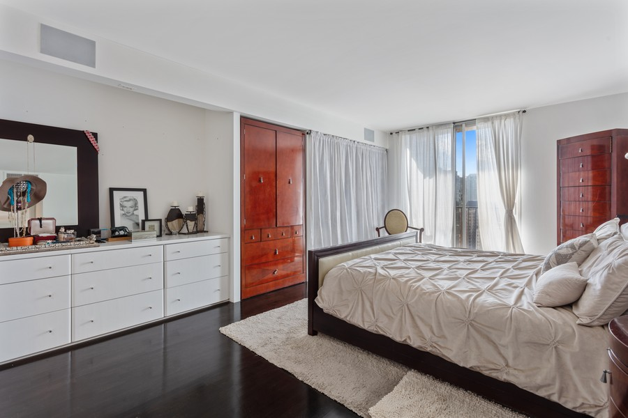 Real Estate Photography - 1212 N Lakeshore Dr, 25AS, Chicago, IL, 60610 - Master Bedroom
