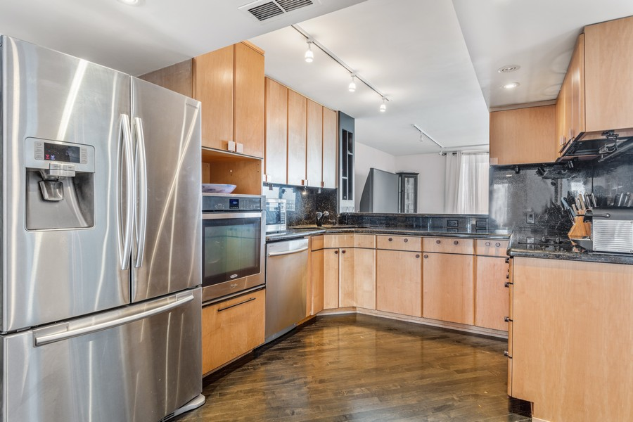 Real Estate Photography - 1212 N Lakeshore Dr, 25AS, Chicago, IL, 60610 - Kitchen