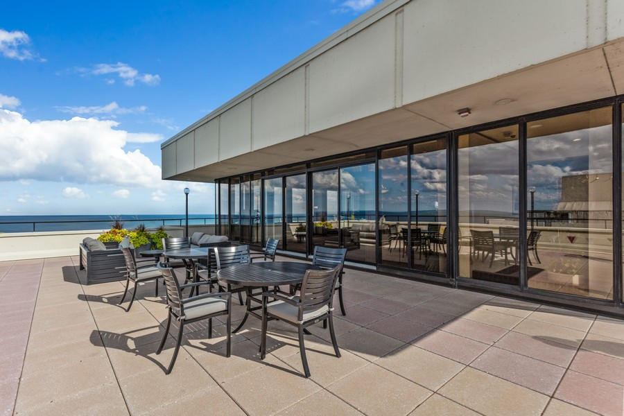 Real Estate Photography - 1212 N Lakeshore Dr, 25AS, Chicago, IL, 60610 - Roof Deck