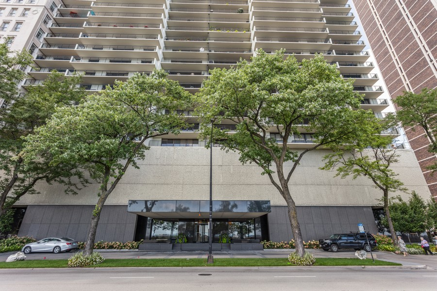 Real Estate Photography - 1212 N Lakeshore Dr, 25AS, Chicago, IL, 60610 - Front View