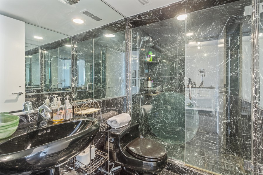 Real Estate Photography - 1212 N Lakeshore Dr, 25AS, Chicago, IL, 60610 - Bathroom