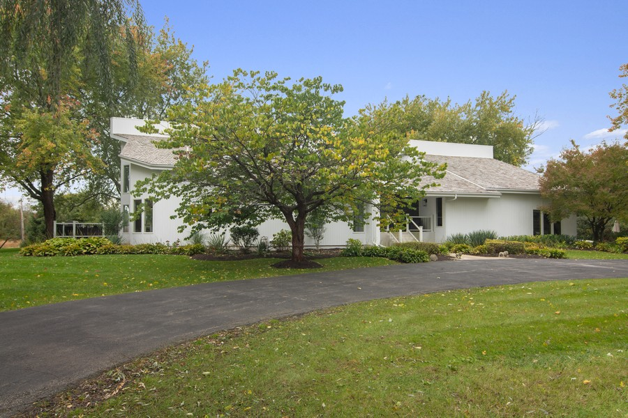 Real Estate Photography - 108 Haman Road, Inverness, IL, 60010 - Front View
