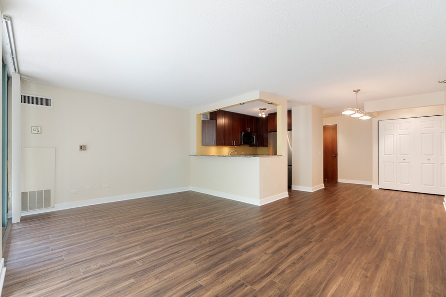 Real Estate Photography - 480 N McClurg Ct, #313, Chicago, IL, 60611 - Living Room