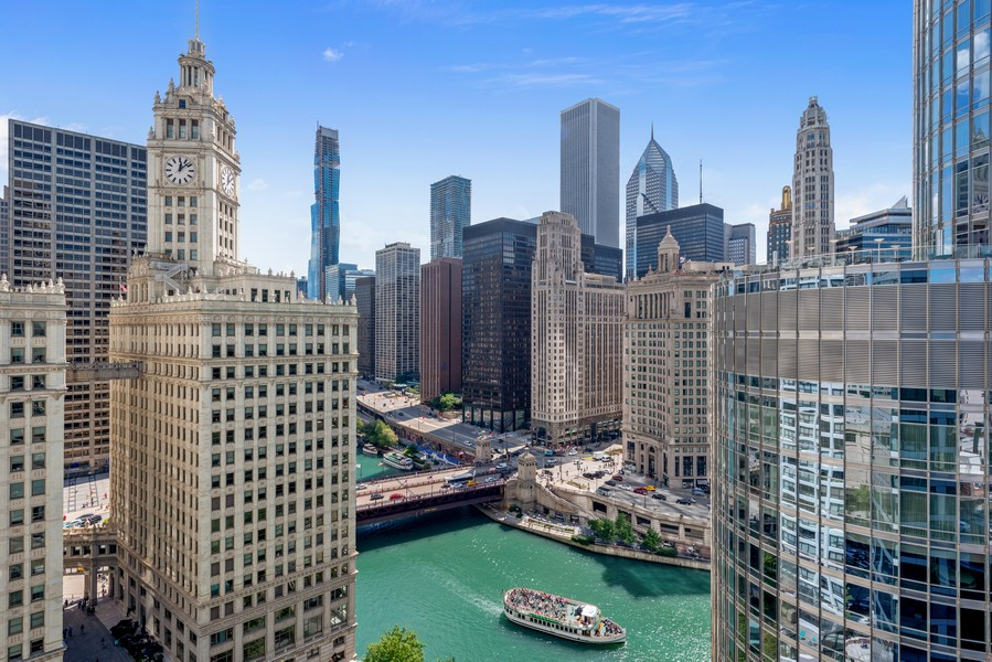 Real Estate Photography - 403 N Wabash, Ph B, Chicago, IL, 60611 - View