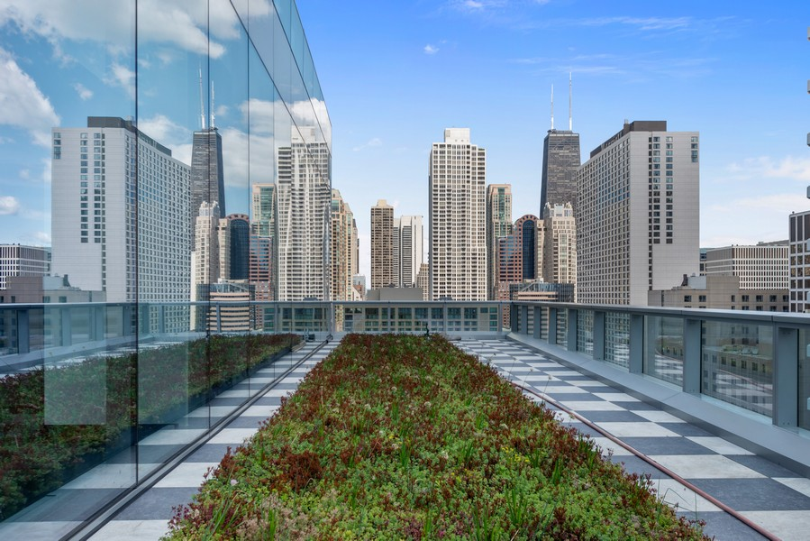 Real Estate Photography - 403 N Wabash, Ph B, Chicago, IL, 60611 - Roof Deck