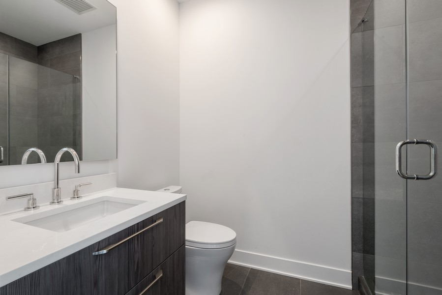 Real Estate Photography - 403 N Wabash, Ph B, Chicago, IL, 60611 - 2nd Bathroom