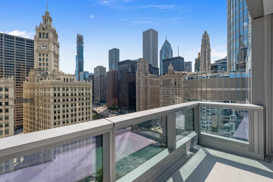 Real Estate Photography - 403 N Wabash, Ph B, Chicago, IL, 60611 - Balcony