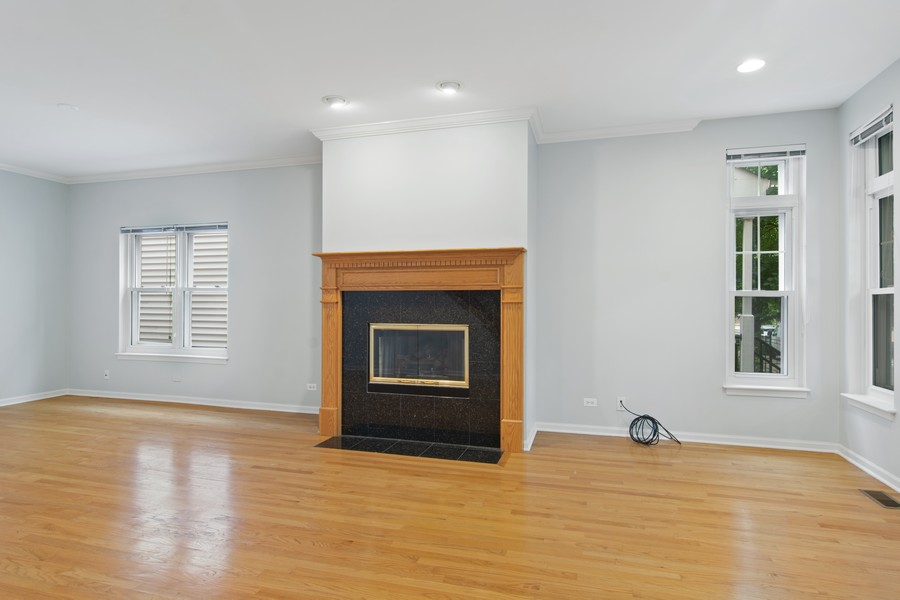 Real Estate Photography - 329 W Goethe, Chicago, IL, 60610 - Living Room