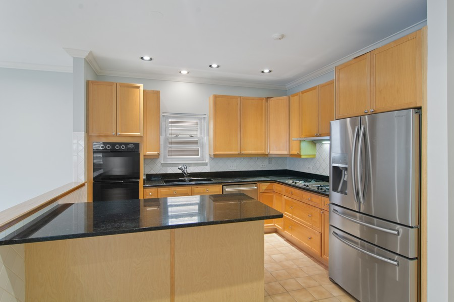 Real Estate Photography - 329 W Goethe, Chicago, IL, 60610 - Kitchen