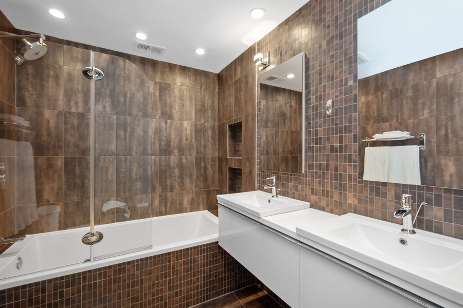 Real Estate Photography - 2527 N Washtenaw, Chicago, IL, 60647 - Master Bathroom