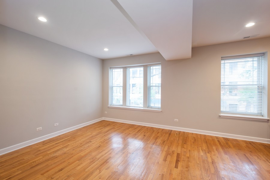 Real Estate Photography - 2920 N Lincoln Ave, #2, Chicago, IL, 60657 - Living Room