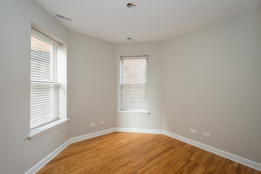 Real Estate Photography - 2920 N Lincoln Ave, #2, Chicago, IL, 60657 - Bedroom