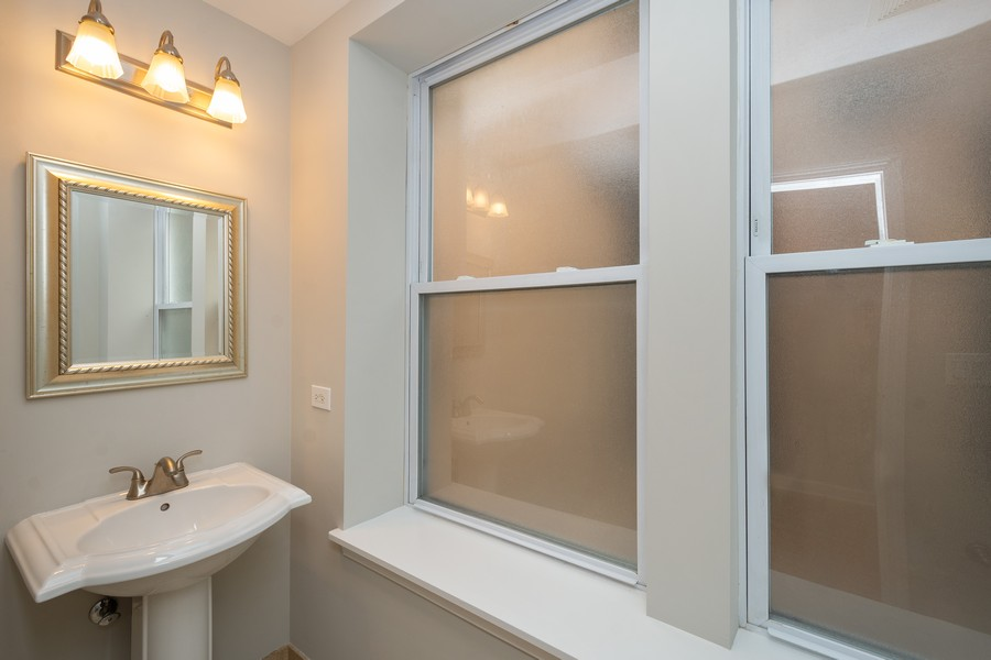 Real Estate Photography - 2920 N Lincoln Ave, #2, Chicago, IL, 60657 - Half Bath