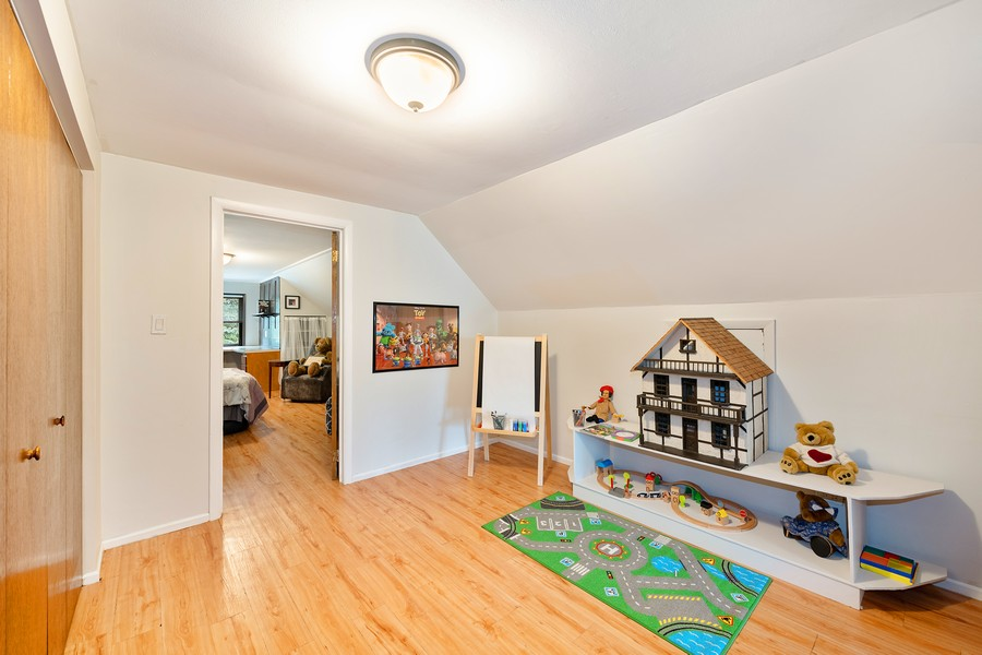 Real Estate Photography - 6321 N Oak Park Ave, Chicago, IL, 60631 - 3rd Floor