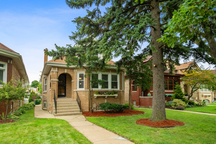 Real Estate Photography - 6321 N Oak Park Ave, Chicago, IL, 60631 - Front View