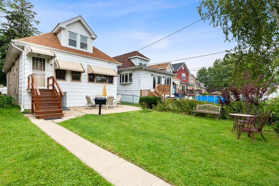 Real Estate Photography - 6321 N Oak Park Ave, Chicago, IL, 60631 - Rear View