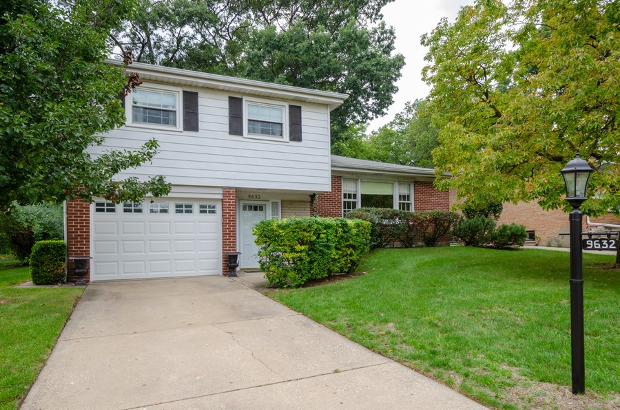 Real Estate Photography - 9632 Kildare, Skokie, IL, 60076 - Front View