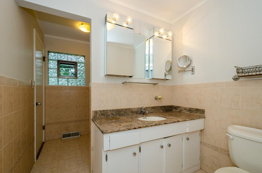 Real Estate Photography - 9632 Kildare, Skokie, IL, 60076 - Bathroom