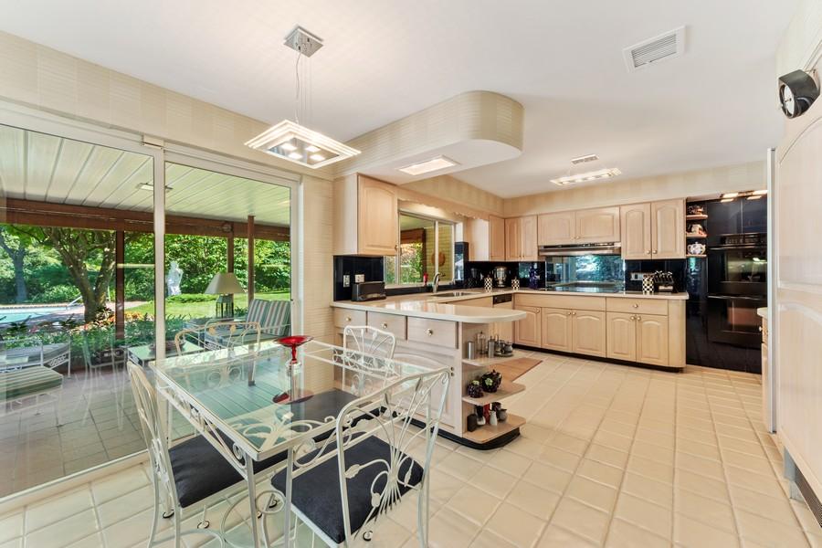 Real Estate Photography - 126 Brinker, Barrington Hills, IL, 60010 - Kitchen / Breakfast Room