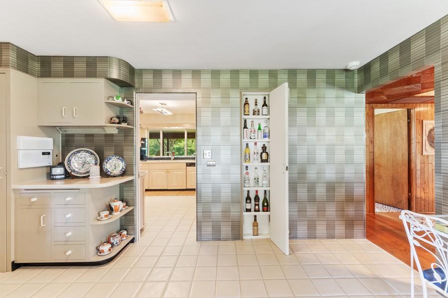 Real Estate Photography - 126 Brinker, Barrington Hills, IL, 60010 - Butler's pantry