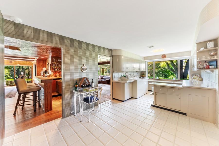 Real Estate Photography - 126 Brinker, Barrington Hills, IL, 60010 - Laundry Room