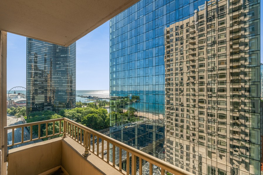Real Estate Photography - 530 N Lake Shore Dr, 1707, Chicago, IL, 60611 - Balcony