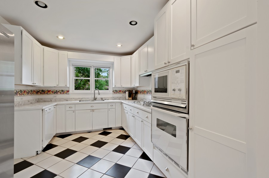 Real Estate Photography - 9301 Ridgeway Ave, Evanston, IL, 60203 - Kitchen