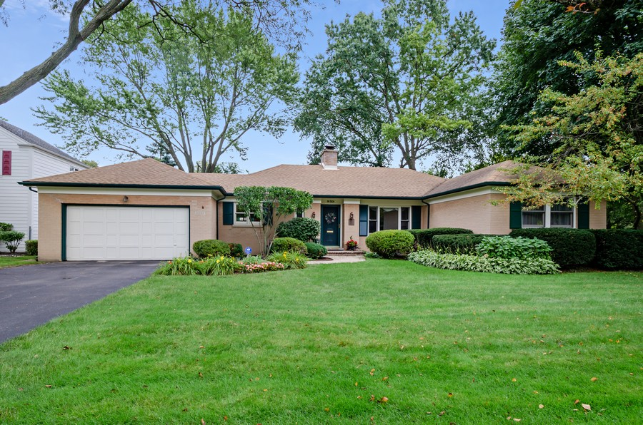 Real Estate Photography - 9301 Ridgeway Ave, Evanston, IL, 60203 - Front View