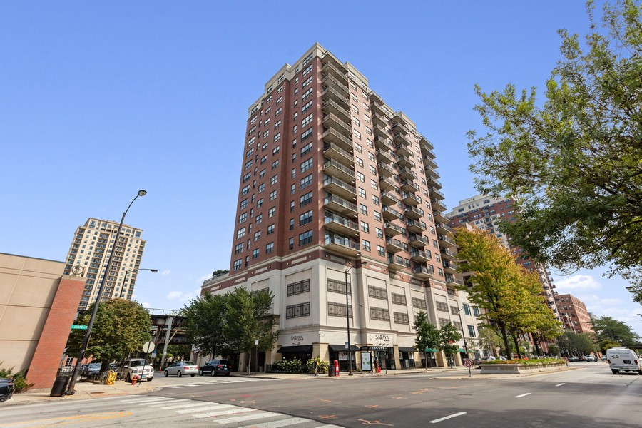 Real Estate Photography - 5 E 14th Place, Unit 1101, Chicago, IL, 60605 - Front View
