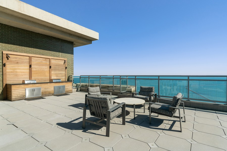 Real Estate Photography - 1040 N Lake Shore Dr, 36BC, Chicago, IL, 60614 - Roof Deck