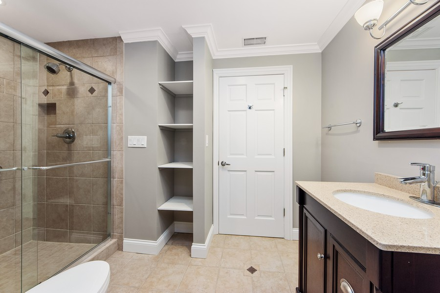 Real Estate Photography - 124 Cranberry Ct, Lake Barrington, IL, 60010 - 4th Bathroom